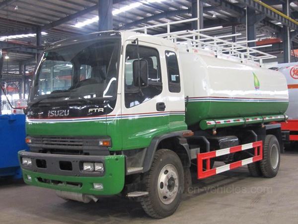 Isuzu 4X2 10000liters 15000liters Stainless Steel/Aluminum Alloy Liquid Tank Truck Oil Delivery Truck