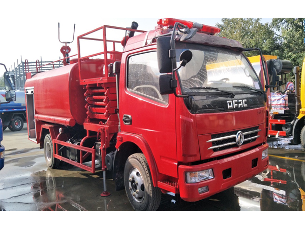 Bid Type 8000L Dongfeng DFAC Fire Extinguisher Foam Powder Water Tank Fire Fighting Truck Fire and Rescue Truck