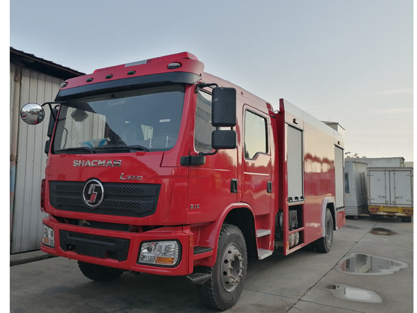 Shac SHACMAN L3000 8000L Water and 2000L Foam Tanker Fire Fighting Truck With English Operation Manuals