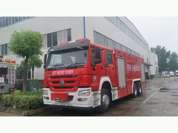Sinotruck howo Heavy Duty 12000liters Water Tanker 4000liter Foam Tanker Fire Fighting Engine Truck