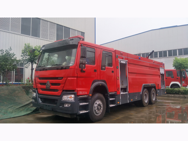 Sinotruck howo Heavy Duty 12000liters Water Tanker 4000liter Foam Tanker Fire Fighting Engine