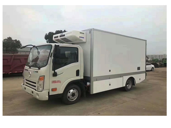 Dayun 130HP Electric Engine Refrigerated Truck With 16 Cubic Meters of Box