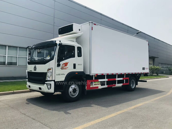 Sinotruck Howo  Man Engine 10-15 Ton -5 Degree to -15 Degree Refrigerator / Freezer Vehicles For Sales