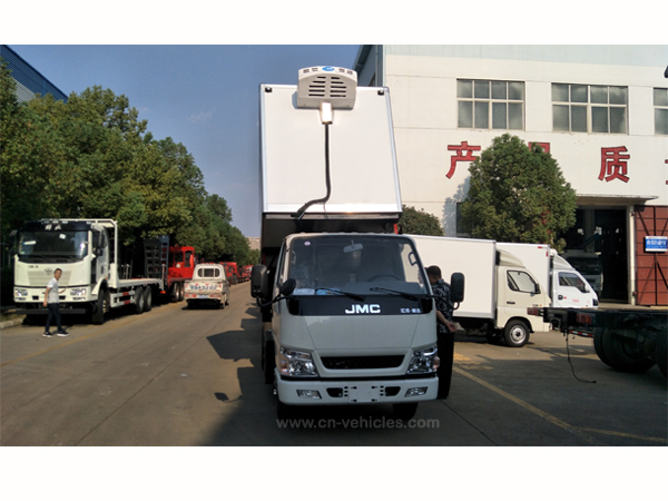 JMC brand 5 Tons Refrigerated Vans For With Lift System