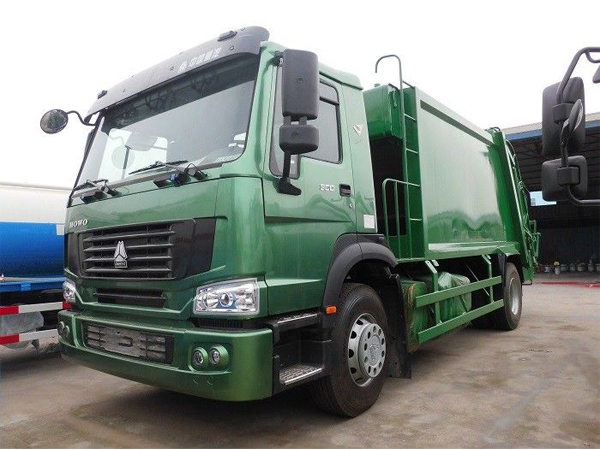 12m3 Waste Management Trash Truck , 12cbm Rear Loader Howo Waste Compactor Truck