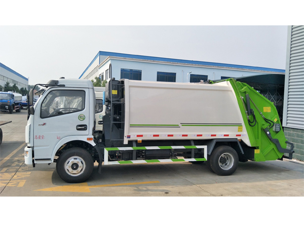 Dongfeng 5cbm Compactor Garbage Truck Rhd or LHD for Sales