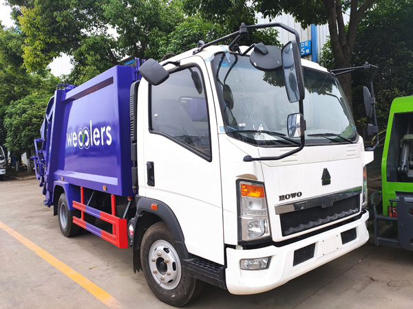 Sinotruck HOWO 8CBM RHD Garbage Compactor Truck Compressed Waste Truck with Chaochai Engine