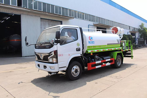 Dongfeng dfac 5000liters capacity 30m Cannon City Disinfectants truck with Yuchai Engine